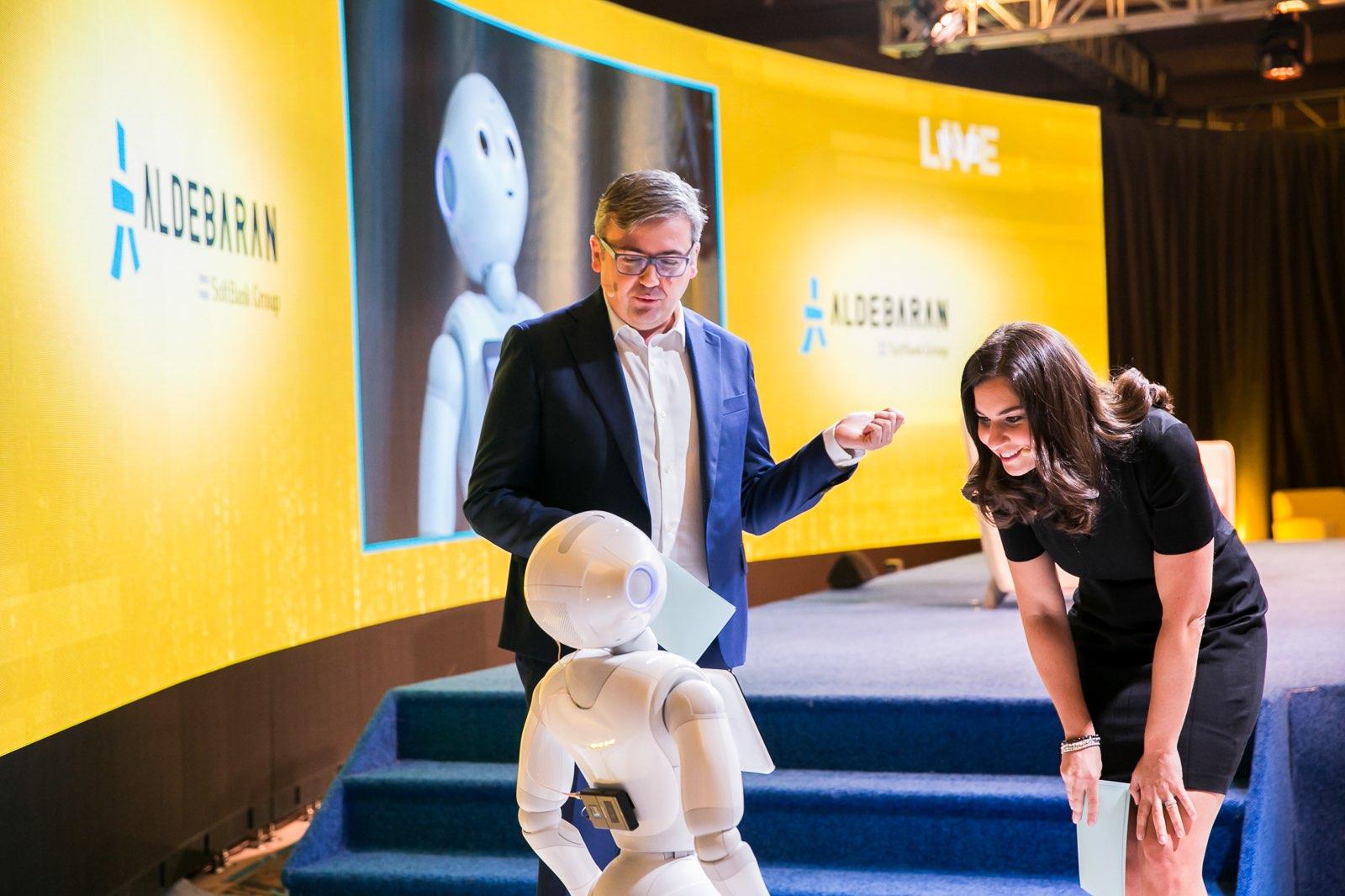 joanna-stern-robots-wsj-tech-live