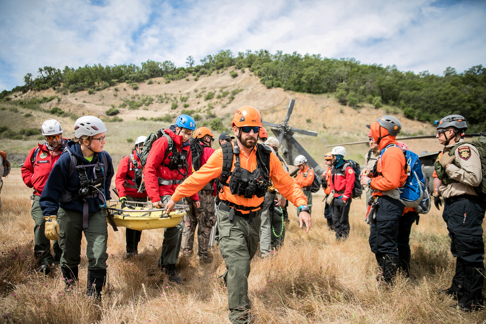 2-search-and-rescue-litter-carry SAR HELO